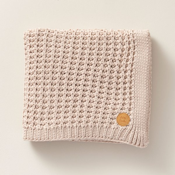 150x100cm_knitted_soft_sand_pink_baby_blanket_for_nursery_room_petite_amelie