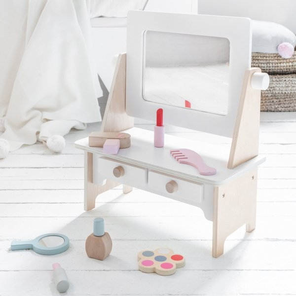 Play Make-Up Table