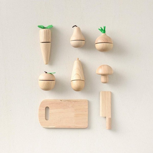 wooden_fruit_and_vegetable_toy_set_with_chopping_board_petite_amelie