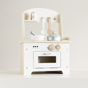 mini-wooden-toy-play-kitchen-with-accessories-petite-amelie-1