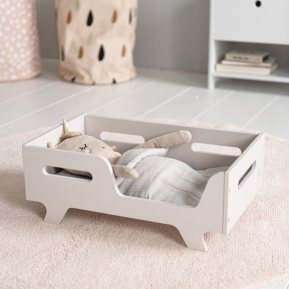doll-bed-with-unicorn