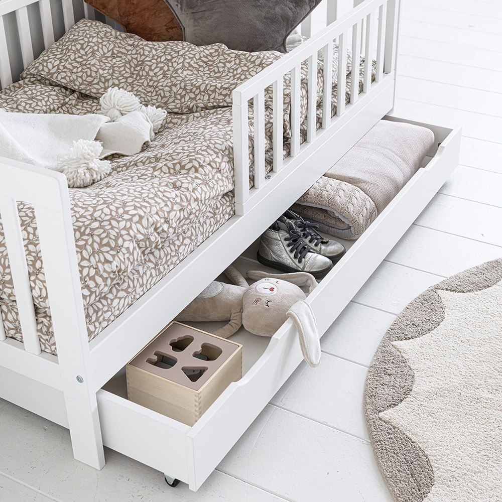toddler-bed-with-storage-drawer