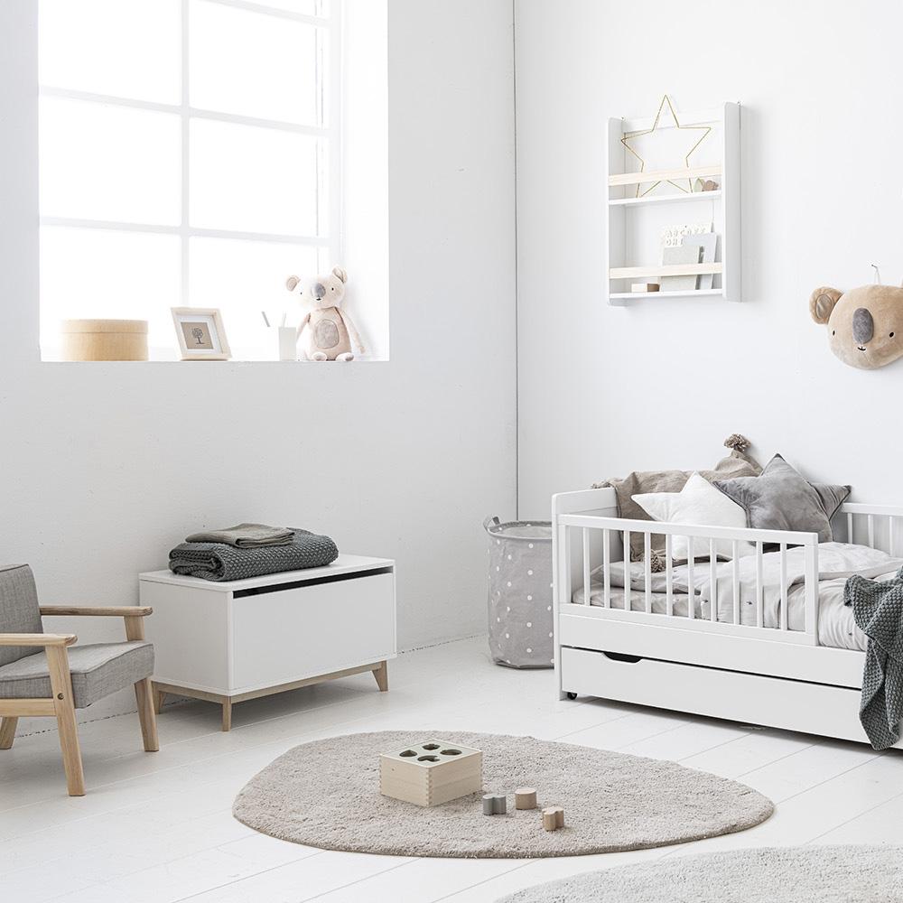 toddler-room-inspiration-petite-amelie-washable-rug